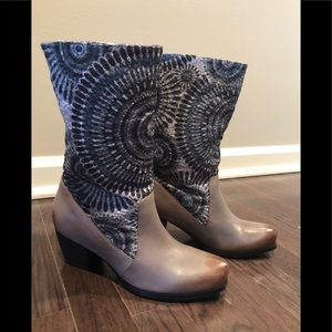 NWT Boots